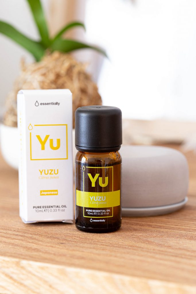 Essentially yuzu oil with aroma stone.